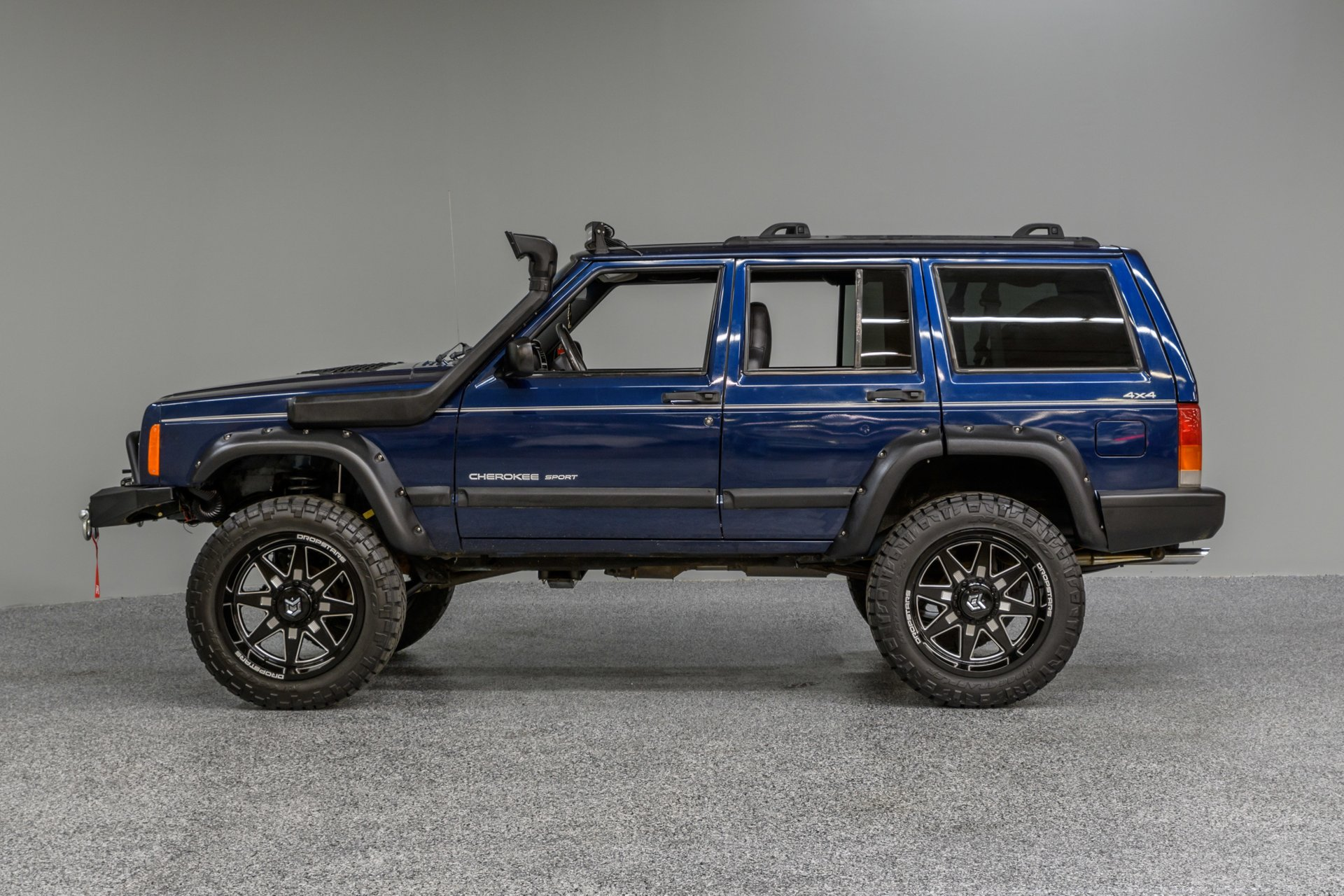 Modified Jeep Cherokee Supercars Gallery