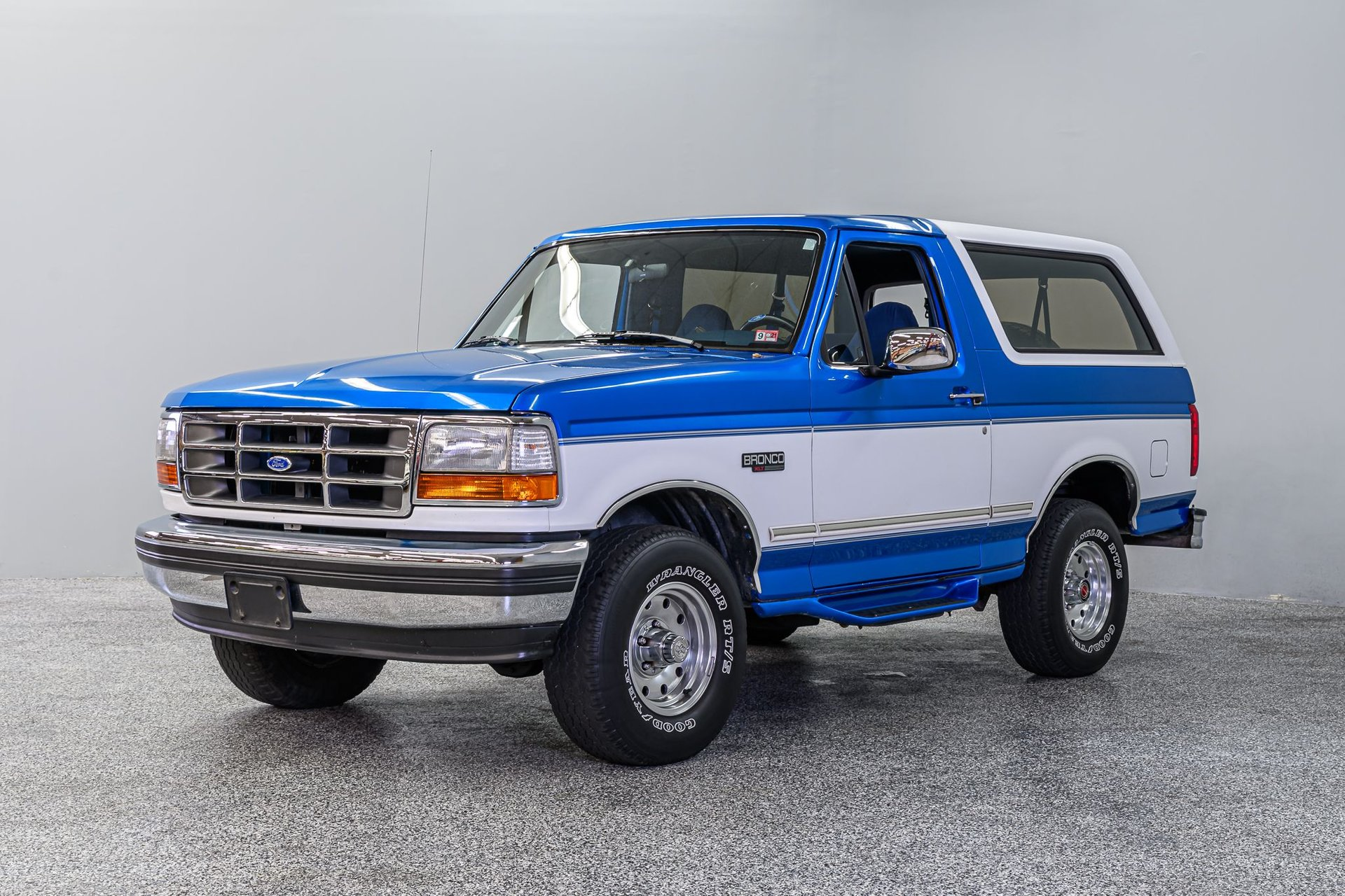 View 1994 Ford Bronco Xlt Specs