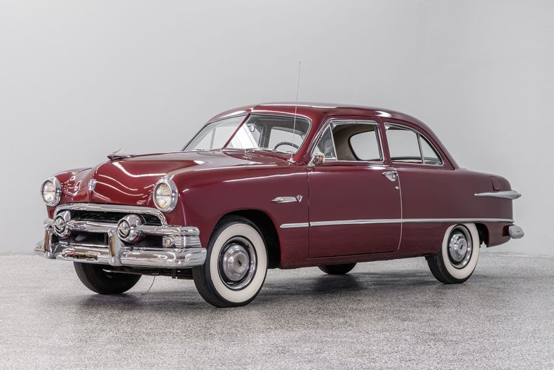 1951 Ford Sedan Deluxe