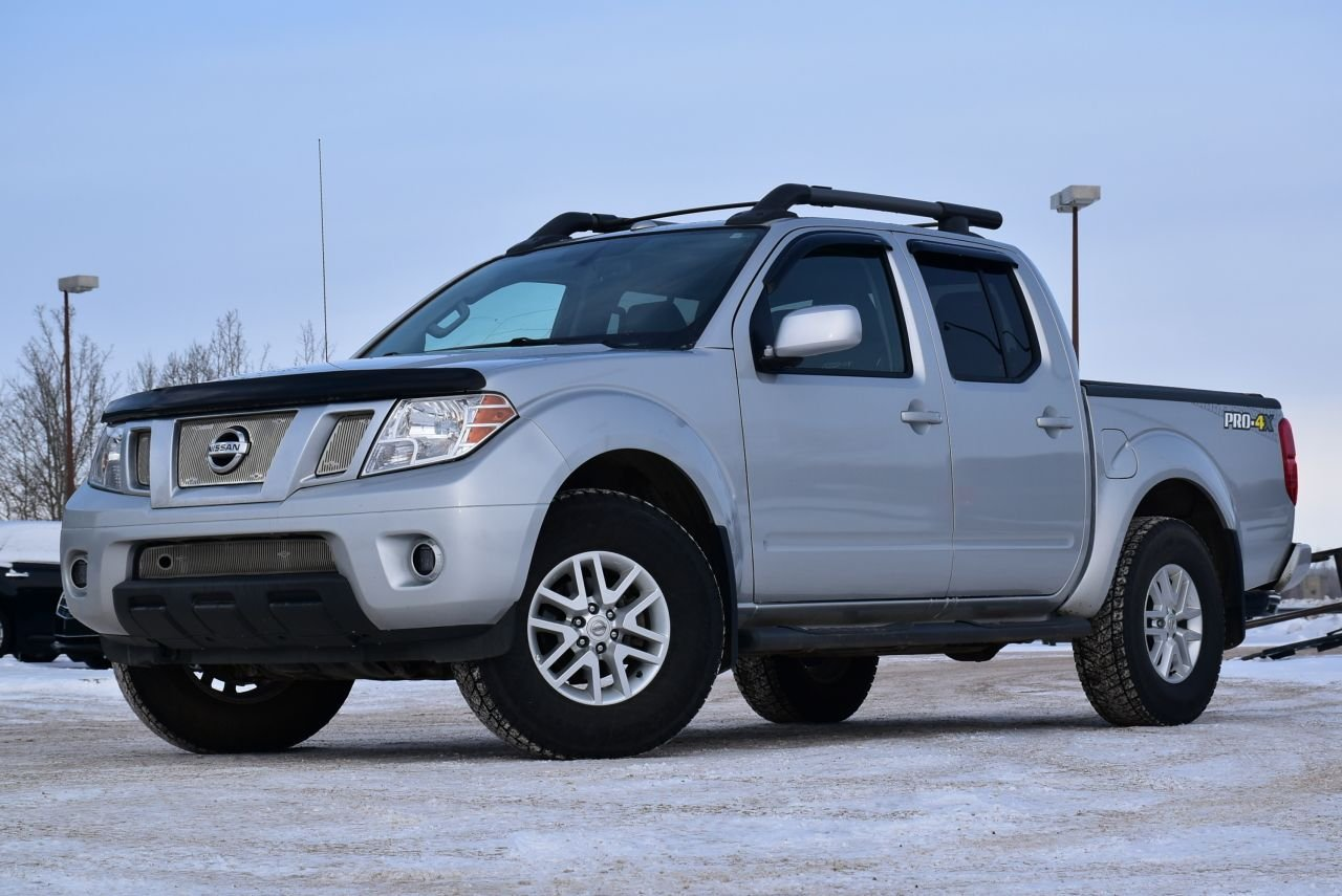 2016 nissan frontier pro 4x with nav heated seats