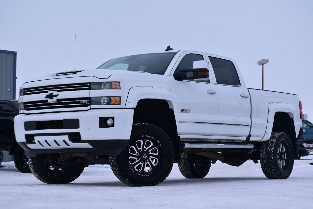 2019 chevrolet silverado 3500hd ltz lifted and loaded