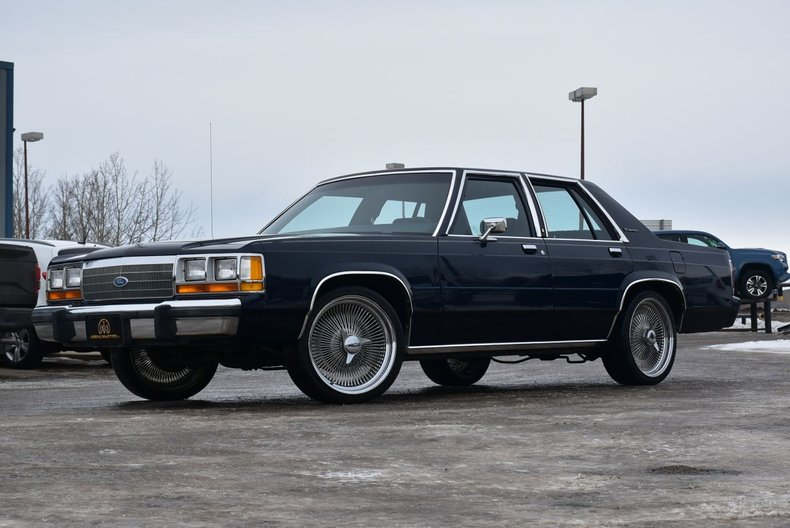 1988 Ford Crown Victoria LTD