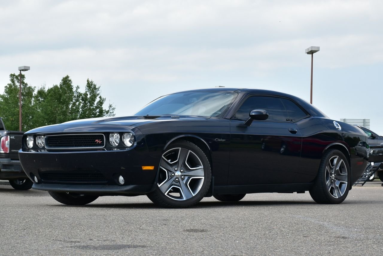 2012 dodge challenger r t w sunroof and nav