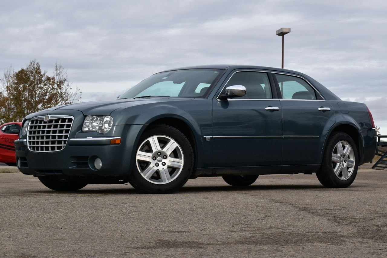 2005 chrysler 300 c hemi all wheel drive