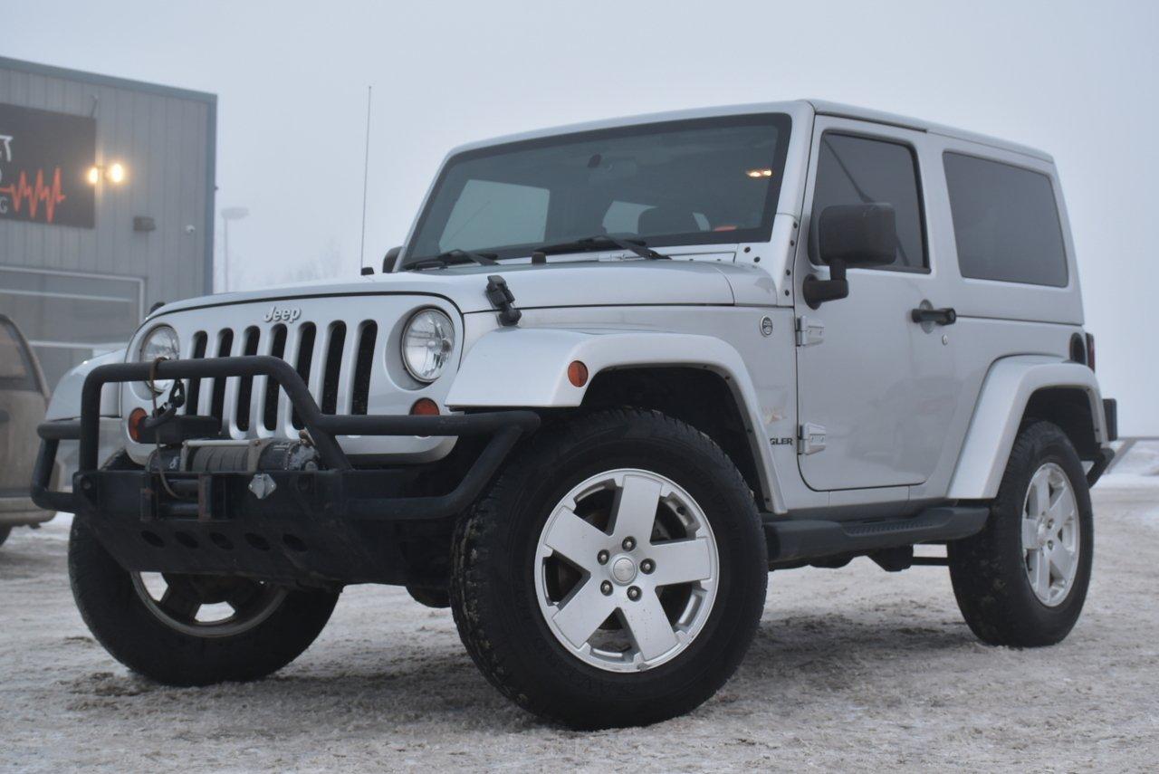 2011 jeep wrangler sahara 2 door 6 speed