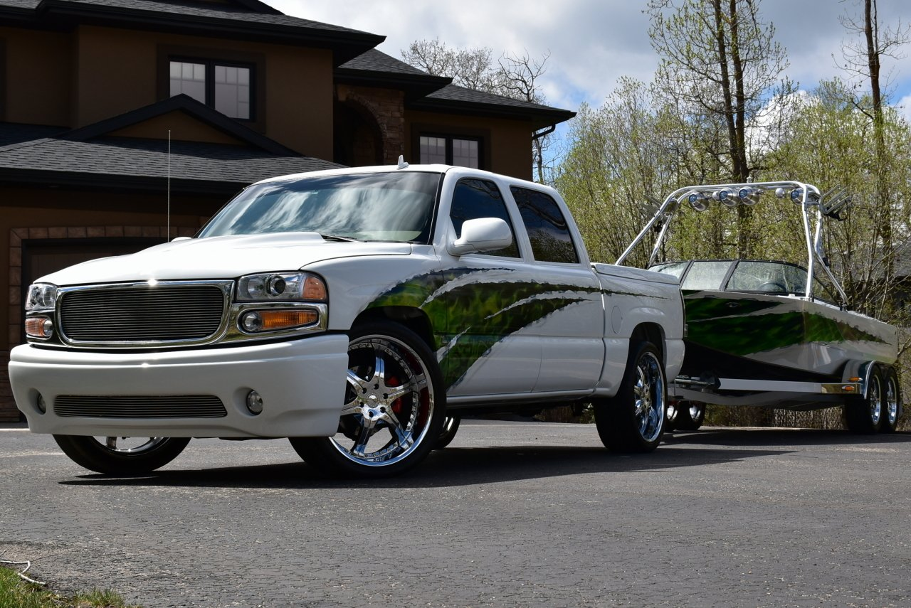2006 truck and boat combo