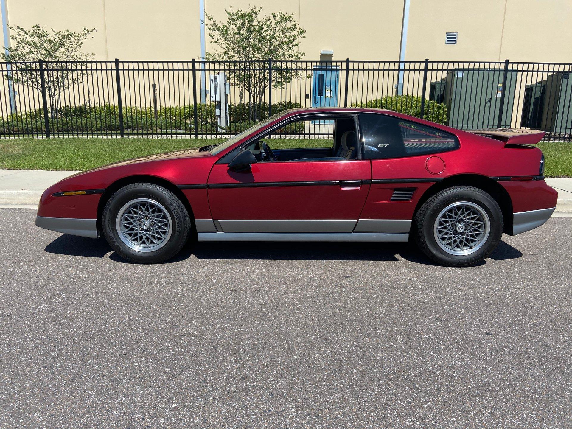 1987 pontiac fiero 2dr gt coupe