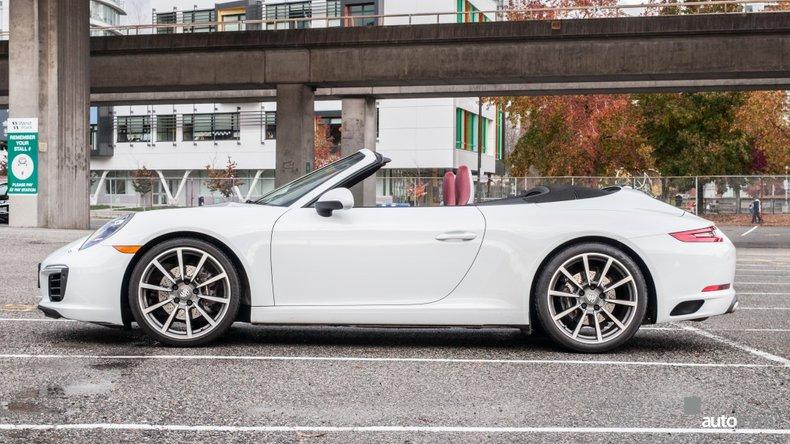 2017 Porsche 911 Carrera