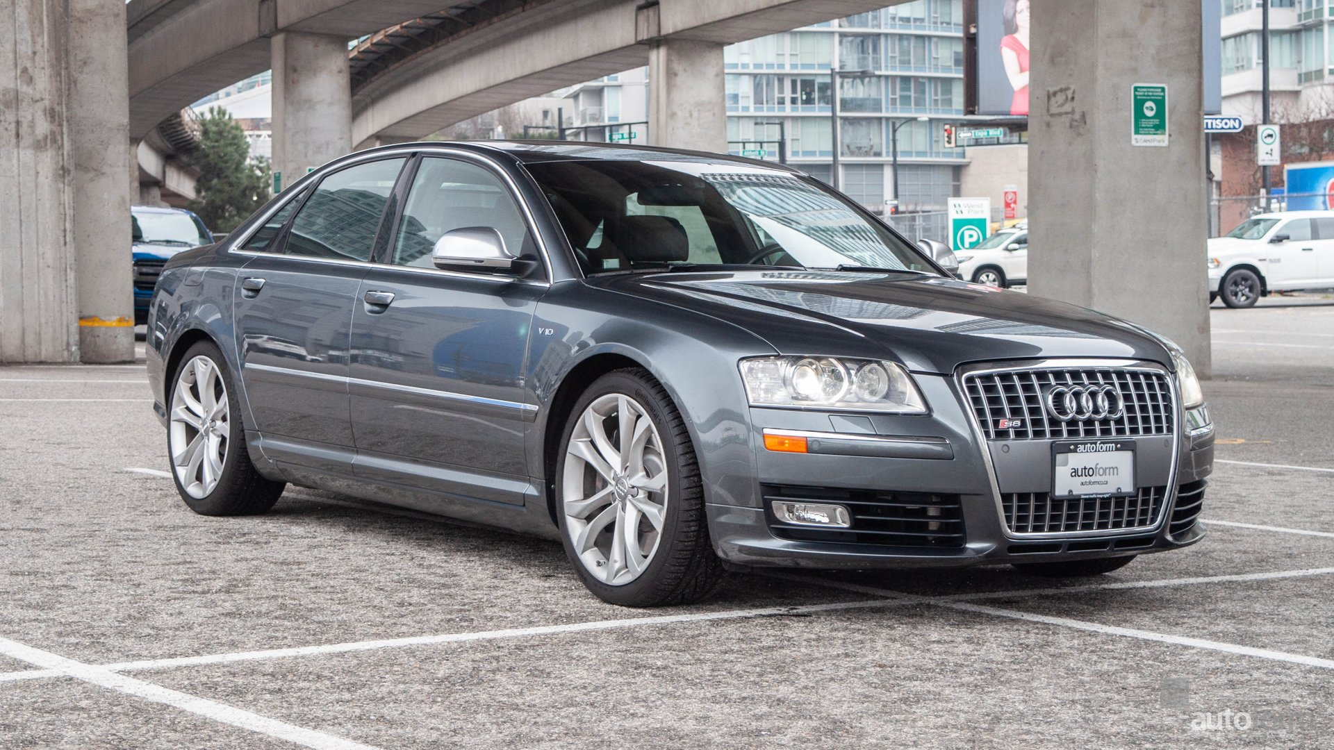 2009 audi s8 4dr sdn