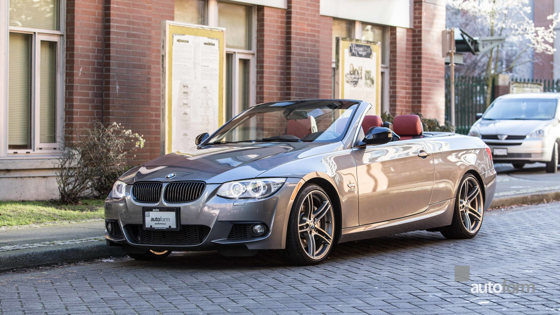 2011 bmw 335is cabriolet low km warranty to 2018