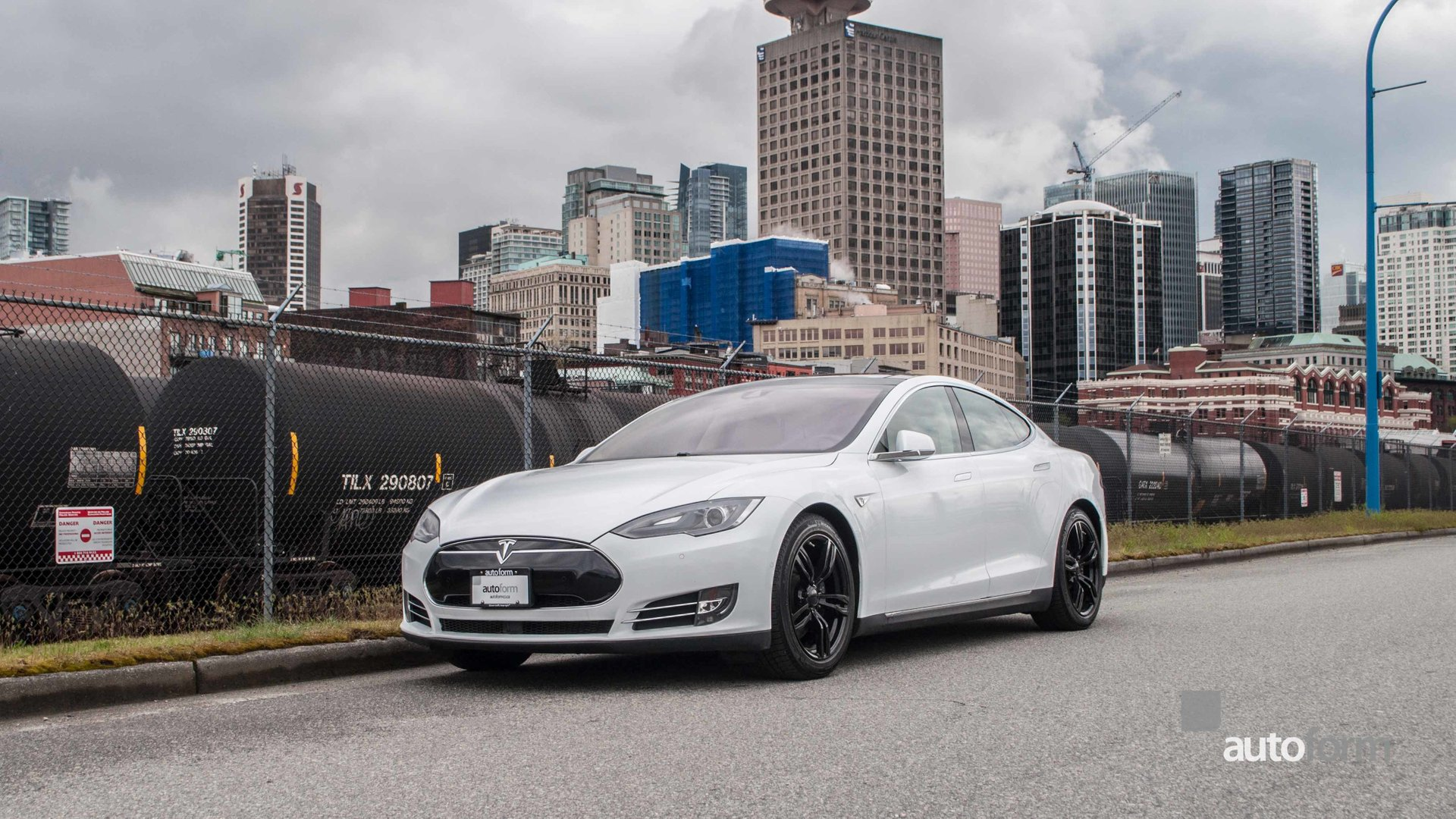 2015 tesla model s 60 w autopilot