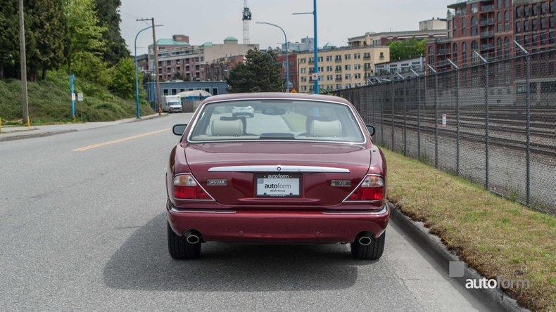 2001 Jaguar XJ8