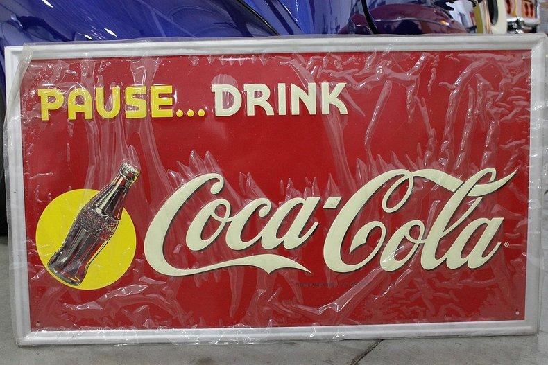 Pause drink coca cola