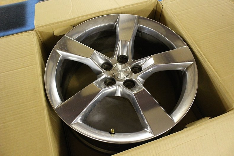 Set of 4 2010 chevrolet camaro wheels