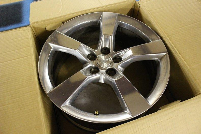 Set of 4 2010 chevrolet camaro wheels