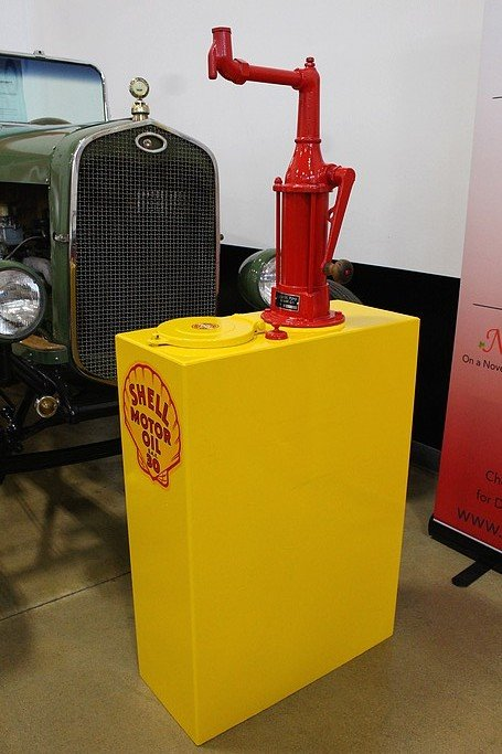 1950 s shell motor oil pump