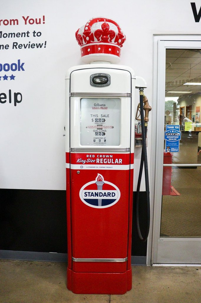 1940 standard crown gas pumps