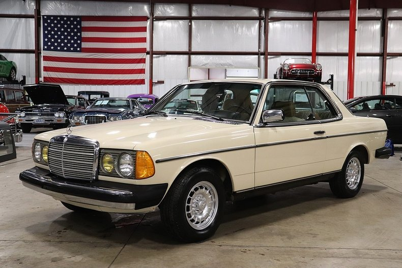 1982 Mercedes-Benz 300CD For Sale