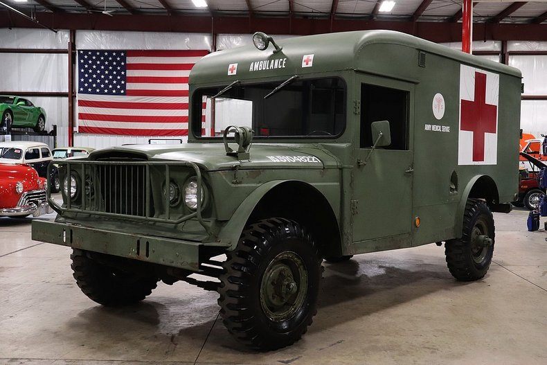 1967 jeep m725