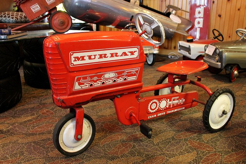 Murray pedal tractor with trailer