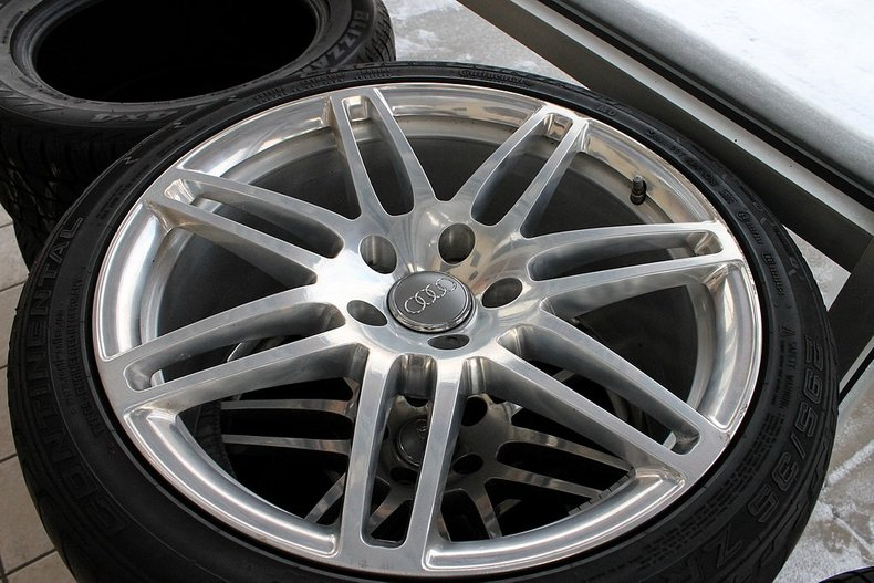 Audi q7 factory rims and tires 295 35 zr 21