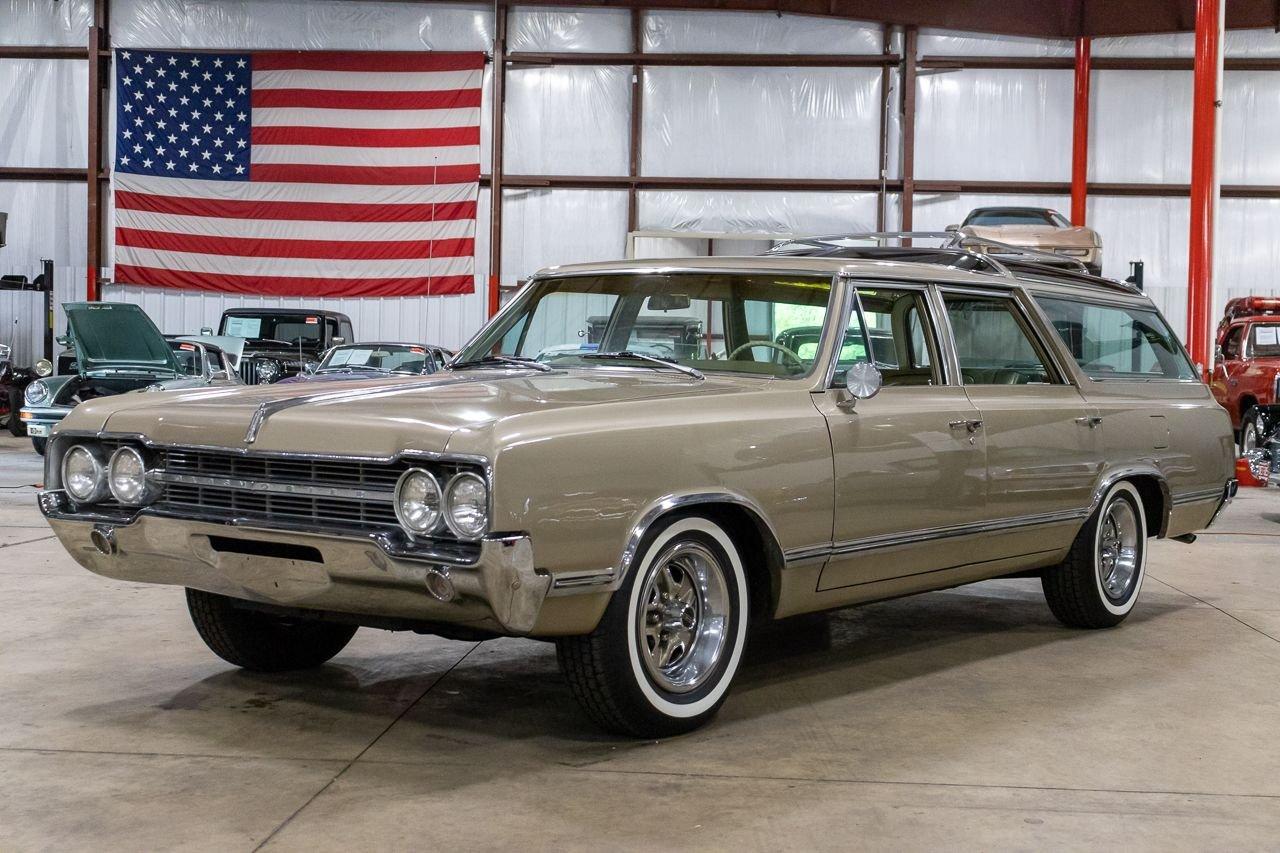 1965 oldsmobile vista cruiser