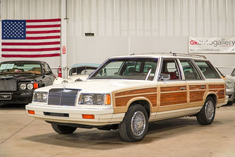 1986 chrysler lebaron town country wagon