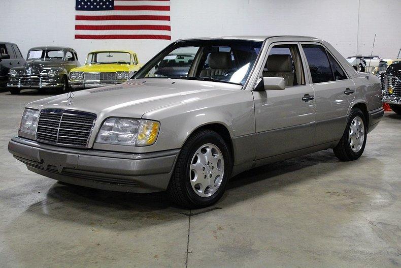1995 Mercedes-Benz E300 | GR Auto Gallery