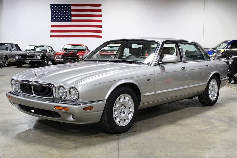 1999 Jaguar XJ8 For Sale