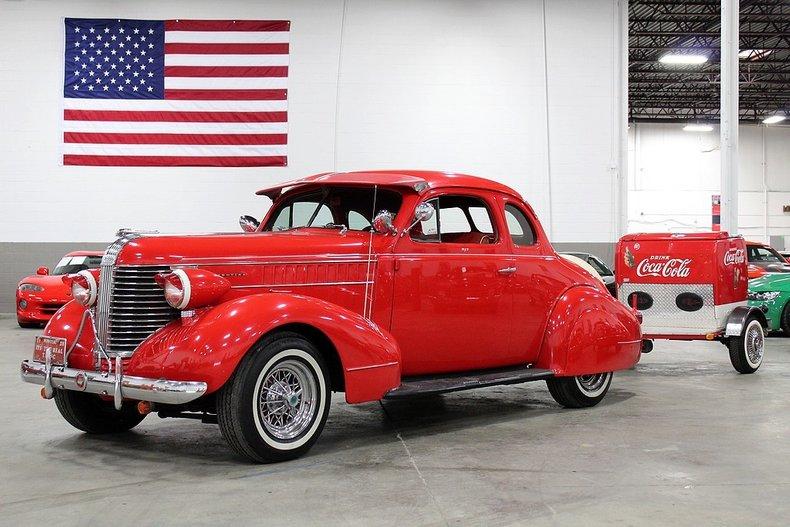 1938 pontiac 2 door