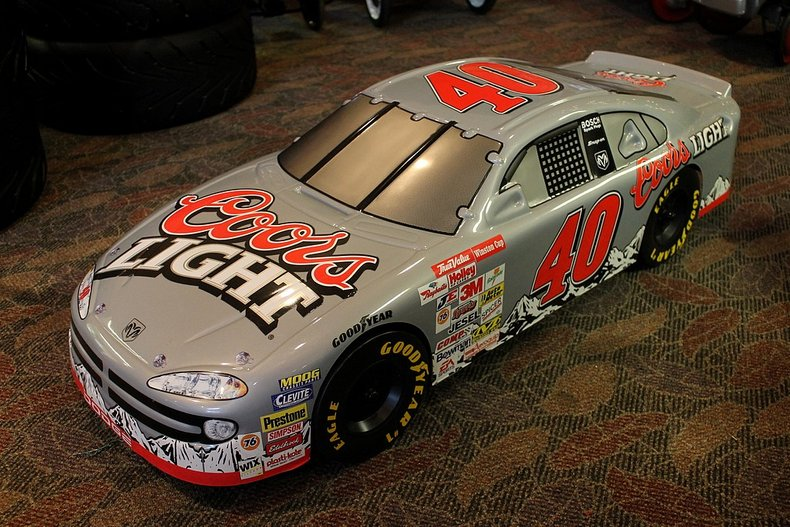 Nascar 40 dodge coors light plastic car