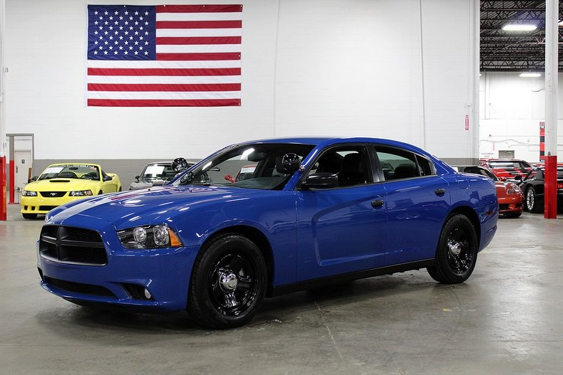 2012 dodge charger pursuit package