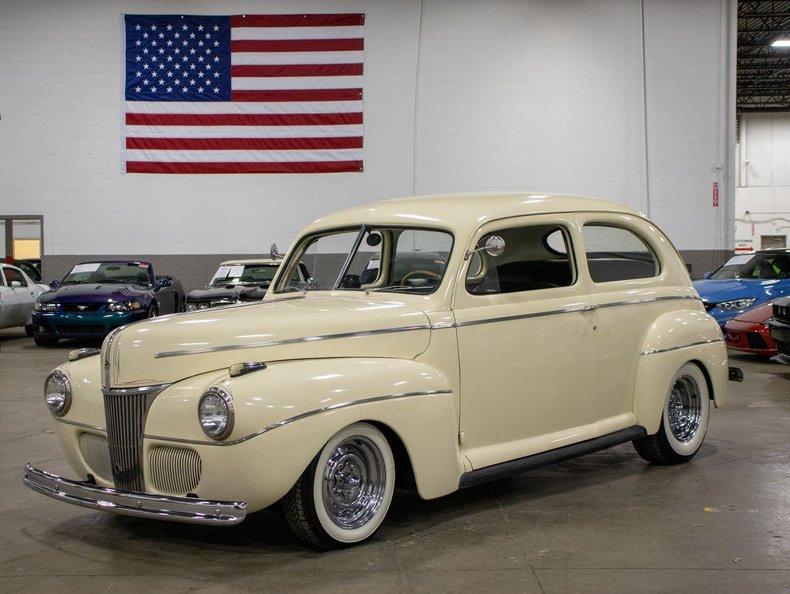 1940 ford 2 door