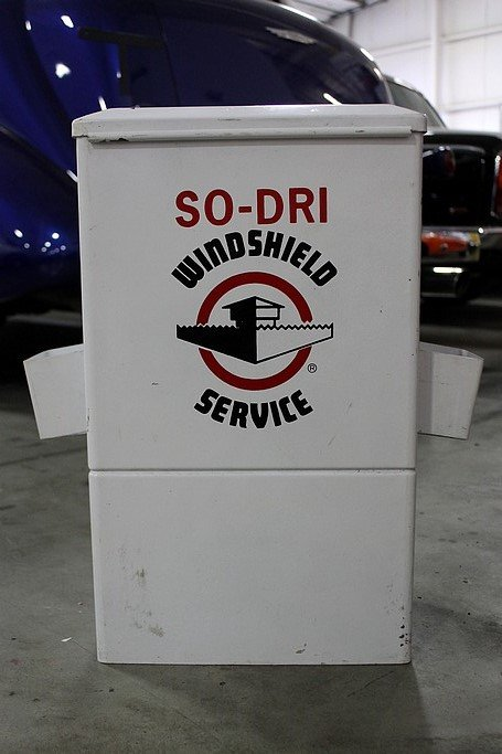 So dri windshield service wall mount