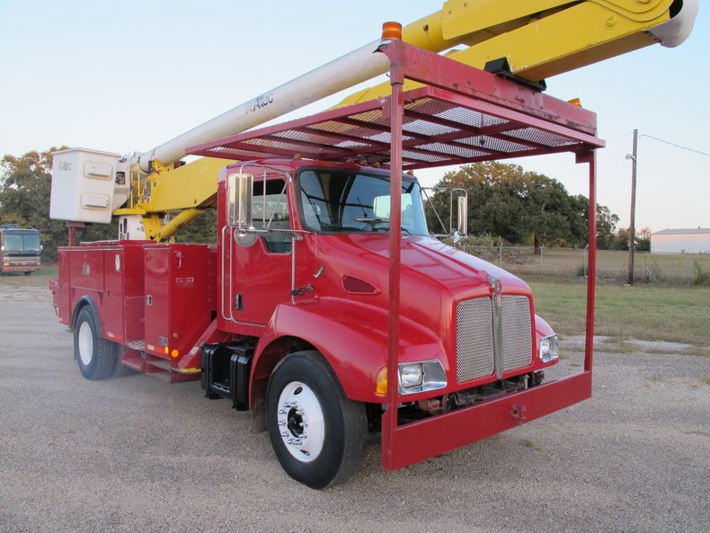 2005 Kenworth T300 Altec Bucket