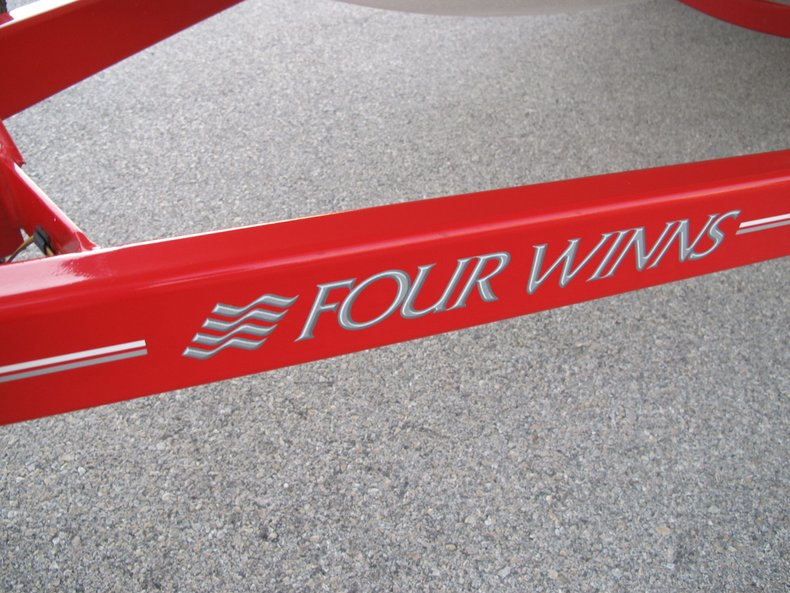 Four Winns Vehicle