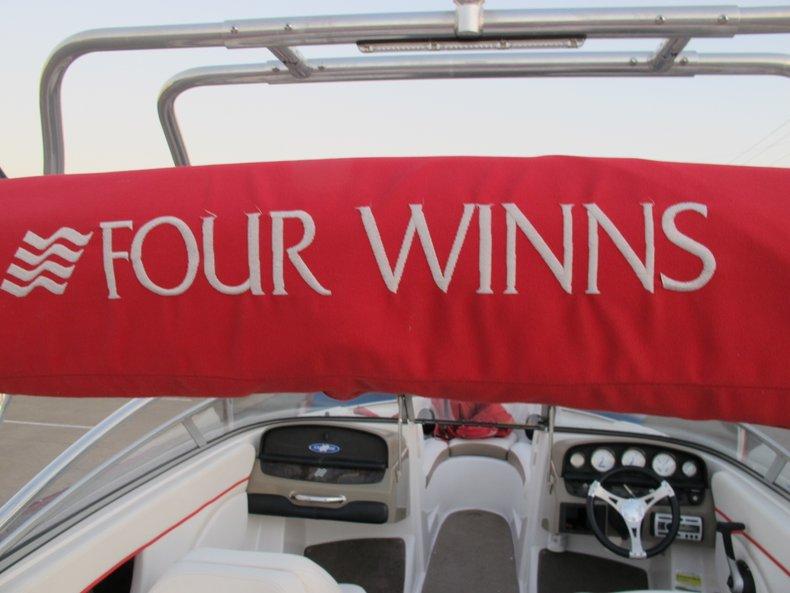 Four Winns Vehicle