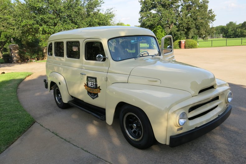 1955 International Travelall Restomod Chevy V-8