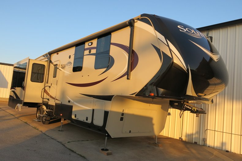 2016 Solitude Grand designs ST 377 MB