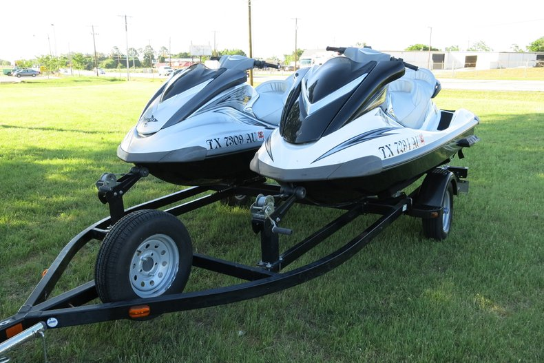 Yamaha Wave runner Vehicle