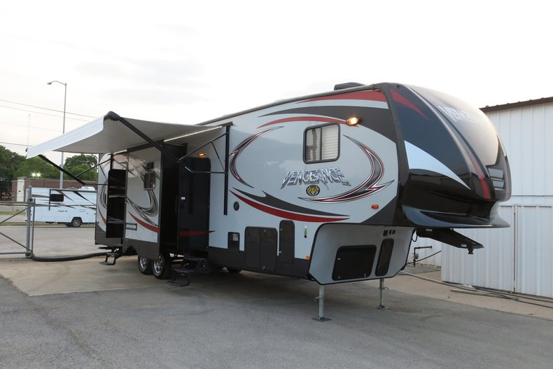 2015 Vengenance 320A Toy Hauler