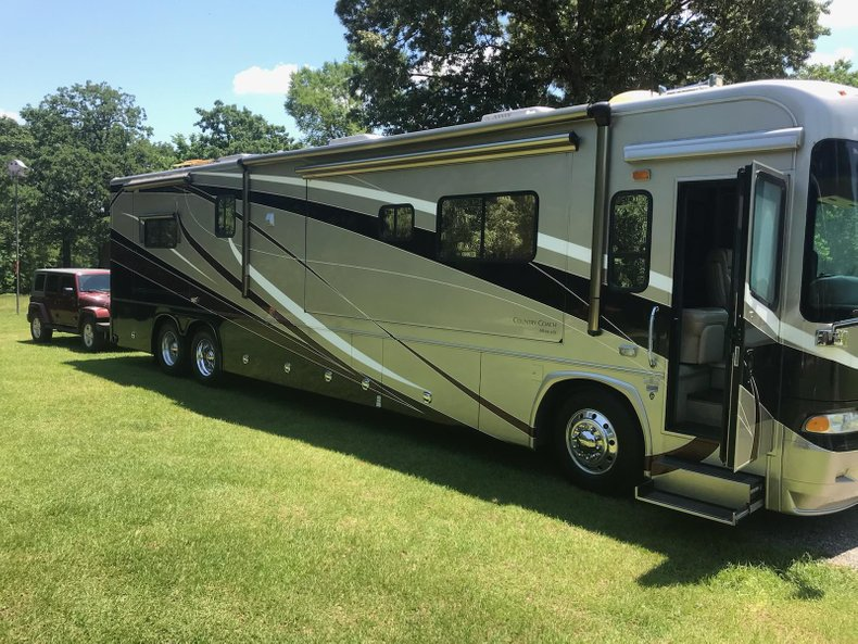 2007 Country Coach Allure 42