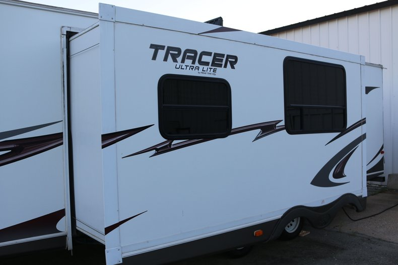Tracer Ultra Lite Vehicle