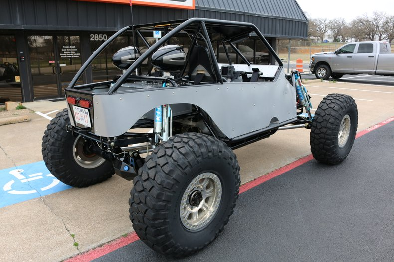 M&M Rock Chassis Vehicle