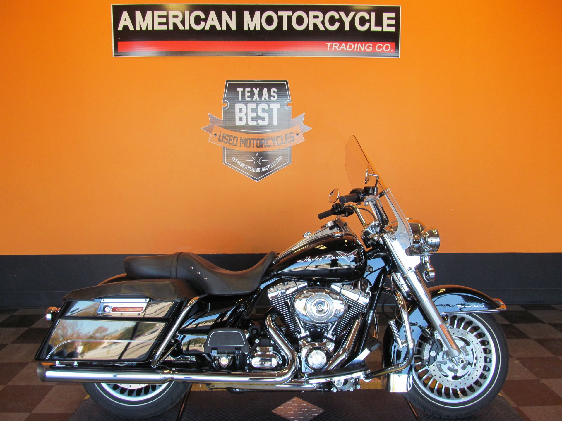 2010 harley davidson road king flhr