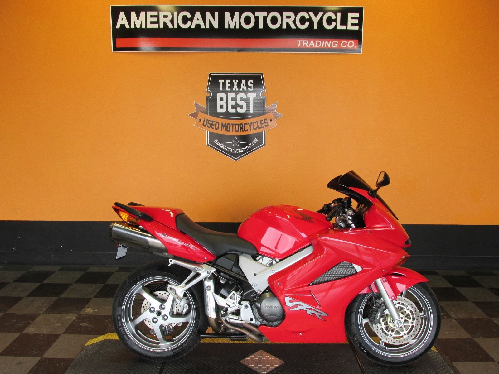 2004 honda interceptor vfr800