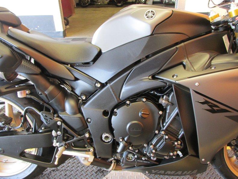 2014 Yamaha YZF-R1