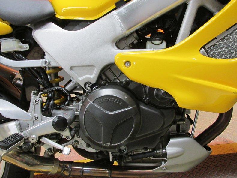 2000 Honda Superhawk