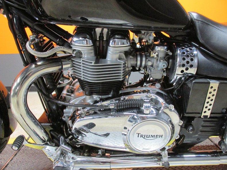 2004 Triumph Bonneville