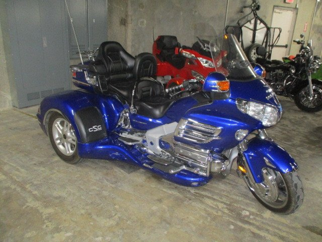 2005 honda gold wing trike gl18005 with csc conversion